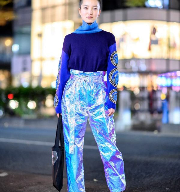 Harajuku Girl w/ Shaved Hairstyle, Versace Sweater, Gallerie Tokyo Metallic Pants & CubRun Tote Bag