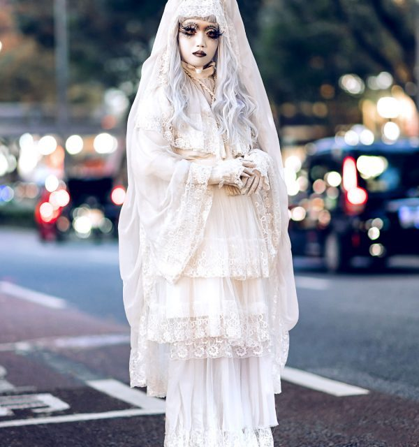Shironuri Artist Minori in Harajuku Wearing All White Handmade & Vintage Fashion
