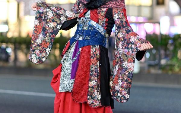 Qutie Frash Kimono Style in Harajuku w/ Pink-And-Blue Hair, Face Mask, Multi-Print Kimono, Corset Belt, Wide Leg Pants & Platform Boots