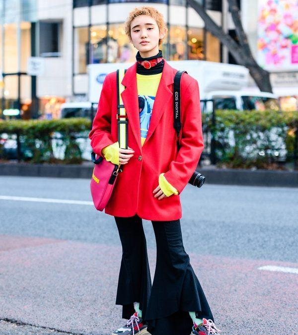 Short Hairstyle Tokyo Street Style w/ Liquem Belt Choker, Santa Monica Blazer, Romantic Standard, Flared Pants, Marc Jacobs & Chunky Sneakers